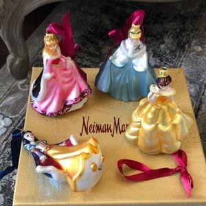 Disney ornaments set of 4
